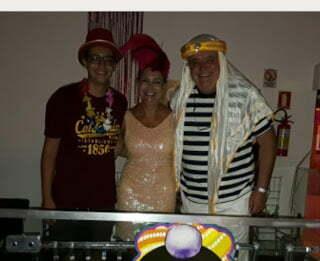Carlos Marun, o ministro da Articulação Política de Temer, veste-se de árabe para pular o Carnaval em Atlântida   Por Polibio Braga
