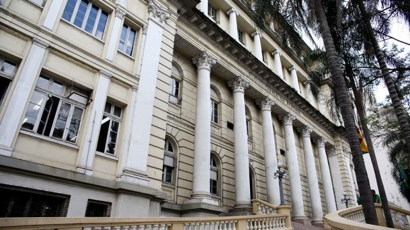 92% dos servidores do Executivo do RS vão receber, hoje, seus salários de fevereiro | Por Polibio Braga