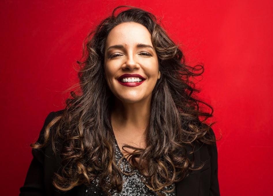 Ana Carolina chega a Porto Alegre com a turnê Fogueira em Alto Mar em única apresentação dia 14 de julho