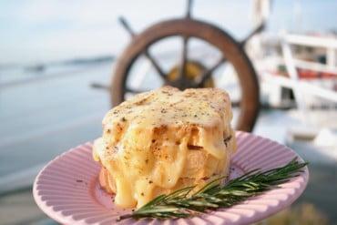 Brunch a Bordo é atração gastronômica no Barco Cisne Branco