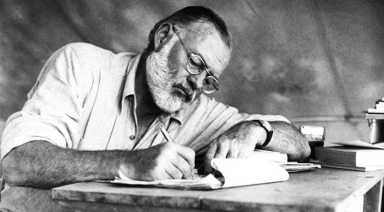 Contos de Hemingway e outros clássicos da literatura são temas de oficina de língua inglesa no Instituto Ling