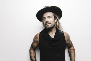 Popload Gig traz o cantor australiano Xavier Rudd pela primeira vez para Porto Alegre