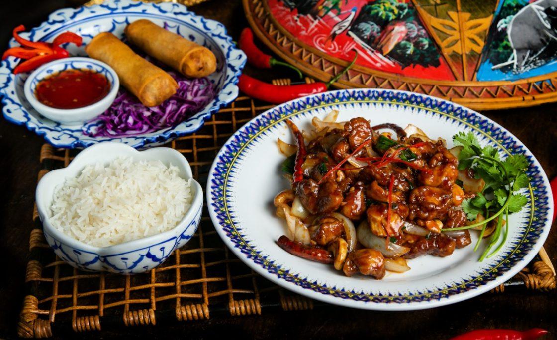 Koh Pee Pee lança dois menus Sawadee para delivery