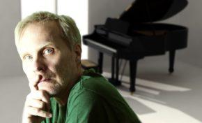 Em live gratuita para o público brasileiro, pianista sueco Anders Helmerson apresenta um novo sentido ao som progressivo e ao jazz de fusão
