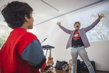 Aula virtual e gratuita de musicalização para crianças neste sábado, dia 5 de dezembro