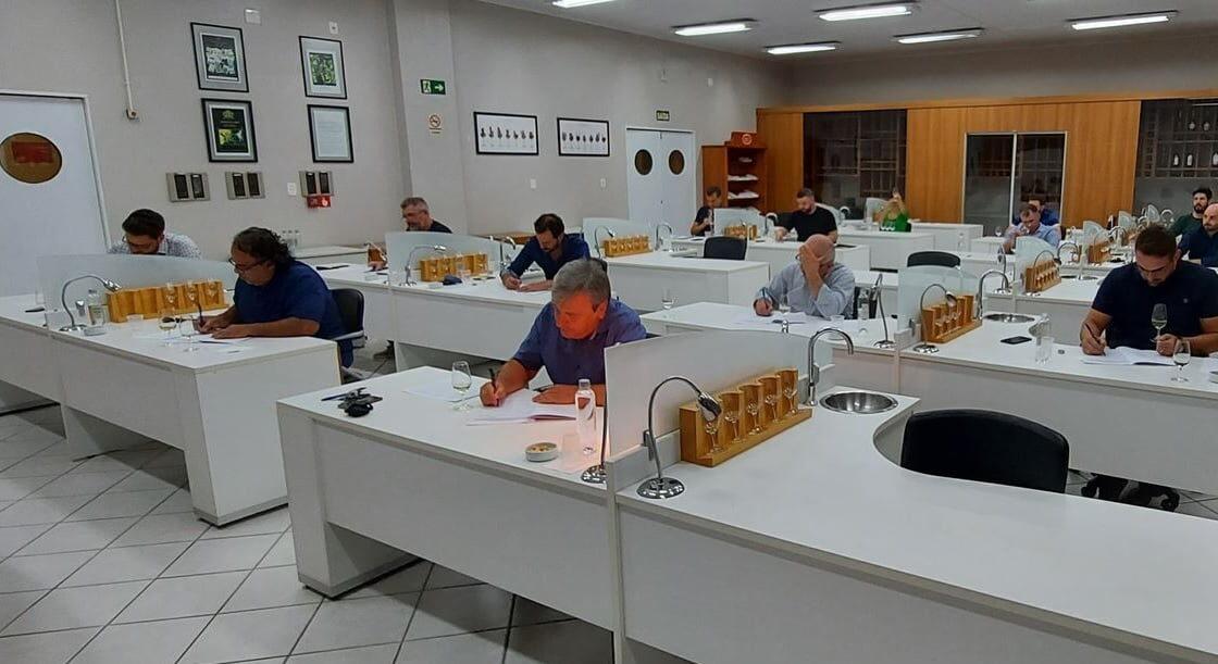 Degustação às cegas avalia primeiros vinhos candidatos ao Selo da IP Altos Montes