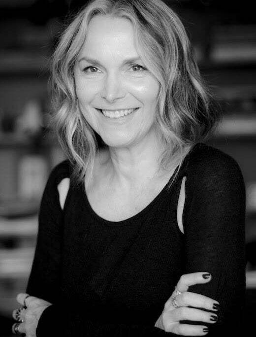 Claudia Schroeder lança livro de poesias em live do Instituto Ling no dia 21 de maio