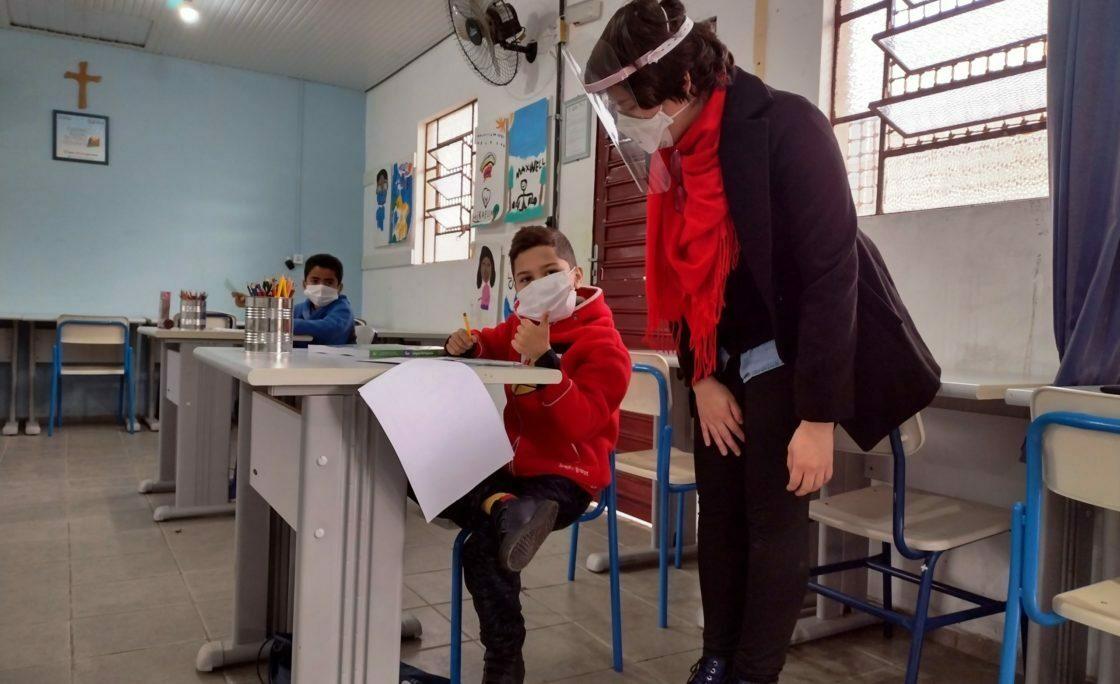 Centro Social Pe. Pedro Leonardi faz atendimento coletivo de crianças e jovens em situação de vulnerabilidade social