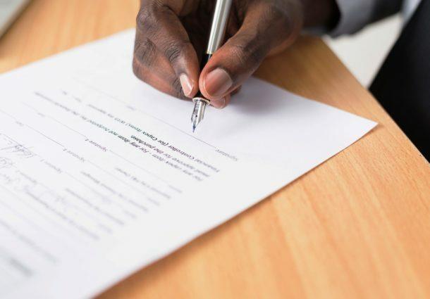 Legalização de documentos nacionais para utilização no exterior pode ser feita nos tabelionatos