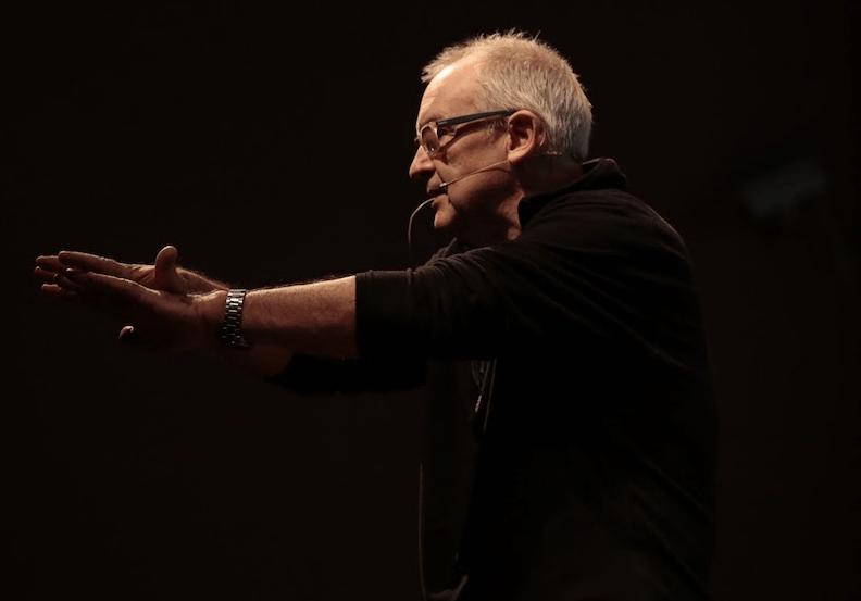 Charles Watson fala sobre arte, tecnologia e criatividade em palestra online e gratuita