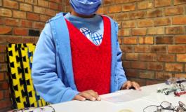Ação realiza testes de visão e doações de óculos para crianças e jovens da Restinga